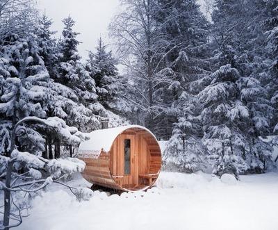Контрастное обтирание снегом: правила и польза от процедуры